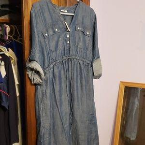 Gap L Jean dress - maternity